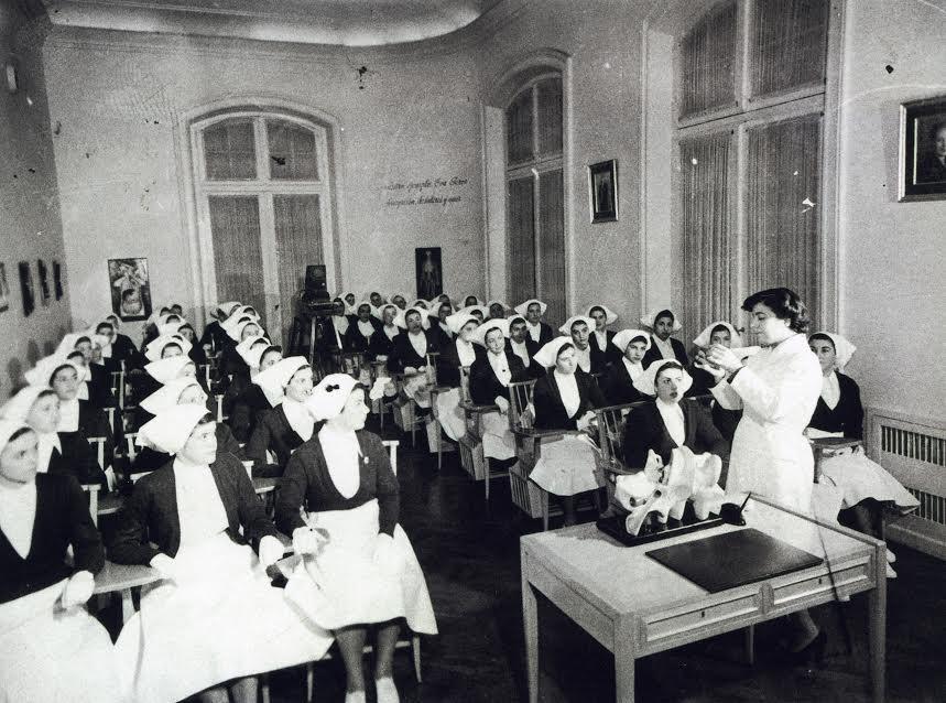 Fondo documental referente a las escuelas de enfermería de 1940 a 1950